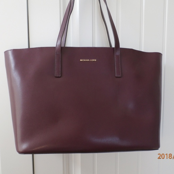 7fd4b0433053 Michael Kors Bags | Emry Large Plum Purple Leather Tote | Poshmark